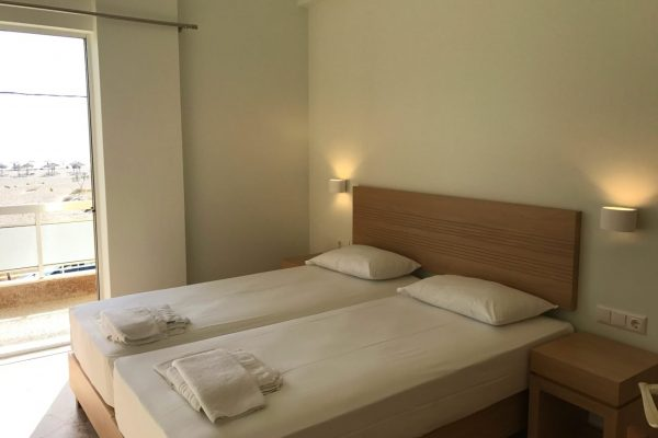 Neapolis Apartments & Rooms